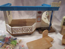 SYLVANIAN FAMILIES - SEAFRONT RESTAURANT SPARES OR REPAIRS