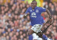 10 x 8 inch photo featuring & personally signed by Royston Drenthe at Everton.