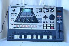 Roland MC-307 Groovebox  MIDI music sequencer, synthesizer, drum machine
