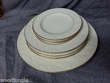 6 NORITAKE HALLS OF IVY PLATES DINNER SALAD BREAD & BUTTER