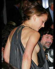NATALIE PORTMAN 8X10 PHOTO PICTURE HOT SEXY CANDID 9