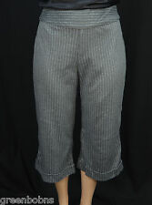 "NEW Silhouettes Woman Gray Pinstriped Gaucho Capri Pants Size 3X  23"" inseam"