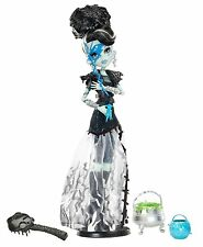 MONSTER HIGH GHOULS RULE FRANKIE STEIN DOLL - BNIB