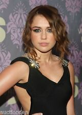 Miley Cyrus 2,800 Pictures Collection Vol 1 DVD (Photo/Images Disc)