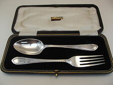 HM Argento Battesimo Set-SHEFFIELD 1925 Cooper BROTHERS-bordo PIUMA