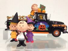 Peanuts The Movie Charlie Brown's Classic Ford Pickup Halloween Porcelain figure