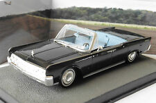 LINCOLN CONTINENTAL CONVERTIBLE GOLDFINGER 1/43 JAMES BOND 007 UNIVERSAL HOBBIES