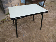 Ancienne table en formica rallonge tiroir  vintage design 1960 verte metal