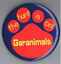 """Garanimals Childrens Clothing 3"""" Pinback Button Advertising Bear The Hunt is On"""