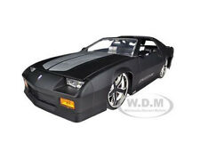 1985 CHEVROLET CAMARO IROC-Z MATT BLACK 1/24 DIECAST MODEL CAR BY JADA 96763