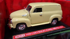 CHEVROLET PANEL TRUCK 1950 jaune au 1/18 MIRA 6233 voiture miniature collection