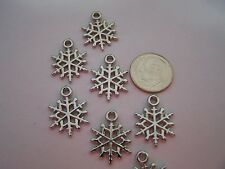 30 pcs Silver Tone Copper Coated Acrylic Snowflake Pendants Drop Beads