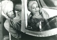 JEAN-PAUL BELMONDO URSULA ANDRESS LES TRIBULATIONS D'UN CHINOIS PHOTO VINTAGE #1