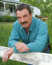 Selleck, Tom [Magnum PI] (16200) 8x10 Photo
