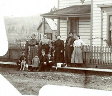 FAMILY WITH CHILDREN AND TWO DOGS POSING FOR THE CAMERA BY HOUSE - ANTIQUE PHOTO