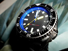 Seiko Men's 7002 Vintage 150 meter Sport Diver Watch with Blue chapter ring