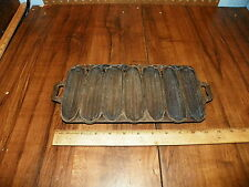 Vintage Cast Iron Corn Bread Pan - Corn Sticks                                 *