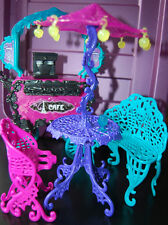 LOT of 3 Playsets Monster High Powder room + Scaris cafe + Clawdeen doll beds