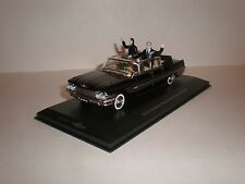 1/43 ZIL-111 Cabriolet with figurines Brezhnev and Honaker / IST IXO