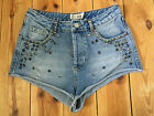 TOPSHOP LADIES DISTRESSED BLUE STUDDED DENIM HOTPANTS / SHORTS W28
