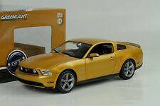 2010 Ford Mustang GT Sunset oro 1:18 GreenLight