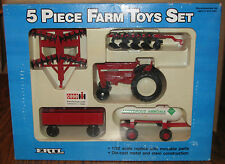 1987 Case IH 5 Piece Farm Toy Set 1/32 Ertl 5042 Tractor Wagon Disc Plow Tank