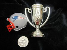 NEW ENGLAND PATRIOTS Mini Football Helmet & Trophy SUPER BOWL Champions 2015