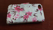 White Flower Wallet with Pockets Leather Flip Case cover for Apple iPhone 4 4S