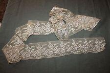 Dentelle ancienne -Broderie - Dentelle sur tulle au fil d'or 280 cm x 11 cm(C26)