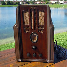 A Restored 1935 Philco Model 620B Radio - See The Video!