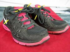 NIKE DUAL FUSION LIVESTRONG WOMENS SIZE 8 PINK BLACK SNEAKERS SHOES ATHLETIC