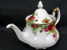 OLD COUNTRY ROSES MEDIUM TEAPOT, 5-6 CUPS, 1st QUALITY, GC, 1962-73 ROYAL ALBERT