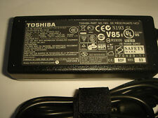 Alimentation D'ORIGINE TOSHIBA Tecra A7 L2 R840 R850 GENUINE Adapter NEUVE