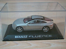 UNIVERSAL HOBBIES - RENAULT FLUENCE - CONCEPT CAR - 1/43 -