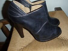 Frye Valerie piping booties  5.5 blue with gold trim piping pre-owned high