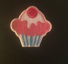 CUPCAKE Sew On Iron On Embroidered Appliqué Shirt Jeans TRENDY Badge Patch SMALL
