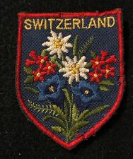 SWITZERLAND Souvenir Travel Patch SWISS Suisse Ecusson Ski Skiing Souvenir