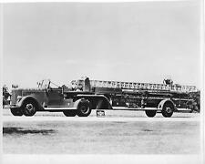 Newark Fire Dept ladder truck Newark, NJ Orig 7 3/4 x9 3/4 B/W Photo B206