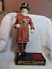 VINTAGE BEEFEATER GIN BACK BAR STATUE ADVERTISING DISPLAY/STAND