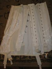 "BUSK FRONT LACE UP CORSET VINTAGE STYLING 26"" WAIST BNIB"
