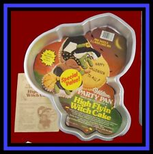 Wilton *HIGH FLYING WITCH* 1981 Halloween Cake Pan COMPLETE!!!