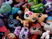 Littlest Pet Shop 8 PC Lot Random Surprise Gift Grab Bag 4 Pets & 4 Accessories