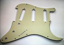 NEW PICKGUARD STRATOCASTER SSS - 3 ply cream pour strat Fender, Squier etc