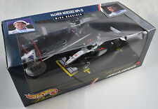 Hot Wheels McLaren Mercedes MP4-14 Mika Hakkinen 1999 Diorama 1:24 MIB