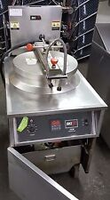 BKI 75-lb Electric Pressure Chicken Fryer - 280v/3ph  FKM-F