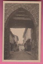 71 - ROMENAY - Grande Rue - Vieille Porte (CP non voyagée)