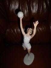 """Porzellan Figur Schaubach Kunst """" Volleyballspielerin """"  31 cm !"""