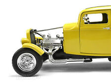 """1932 Ford Coupe """"HOT ROD"""" 1:18 Scale Diecast Model"""