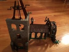 Mega Bloks Pirates of the Caribbean Dead Man's Chest Water Wheel Duel 1027 Lego
