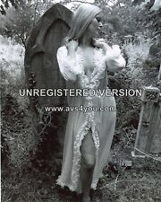 "Veronica Carlson Hammer Horror 10"" x 8"" Photograph no 14"